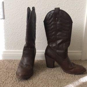 Xhiliration boots. 7.5 all man made materials